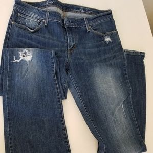 Levi Distressed Jeans